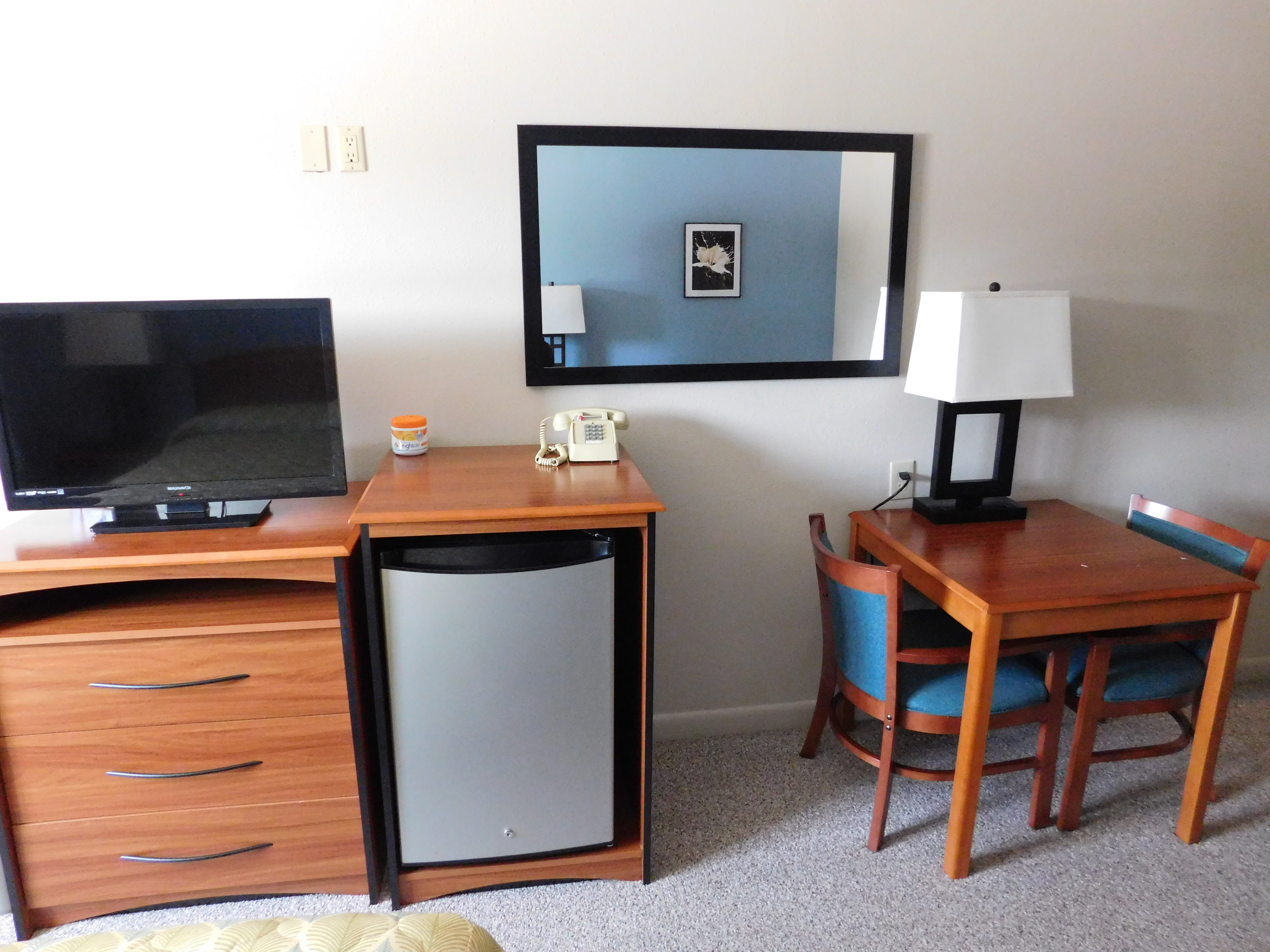 rooms airport motel. Black Bedroom Furniture Sets. Home Design Ideas